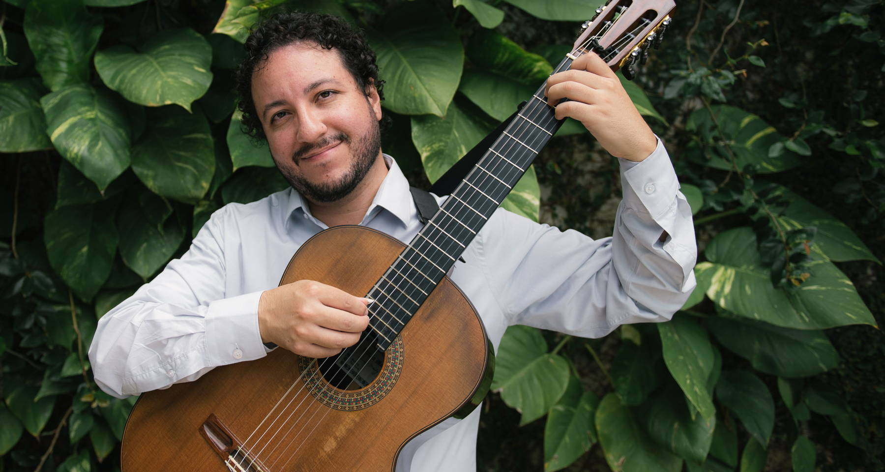 Alvaro Henrique performs Brazilian Guitar Music (with a touch of Spain)