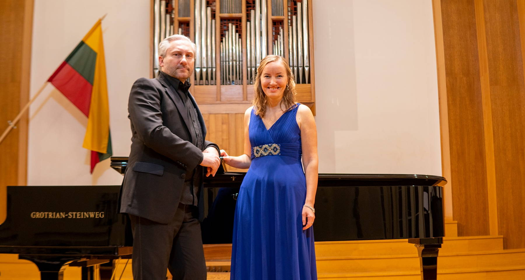 Edita Biliūtė (soprano), Linas Dužinskas (piano) Bethoven, Mozart, Mahler, Grieg songs