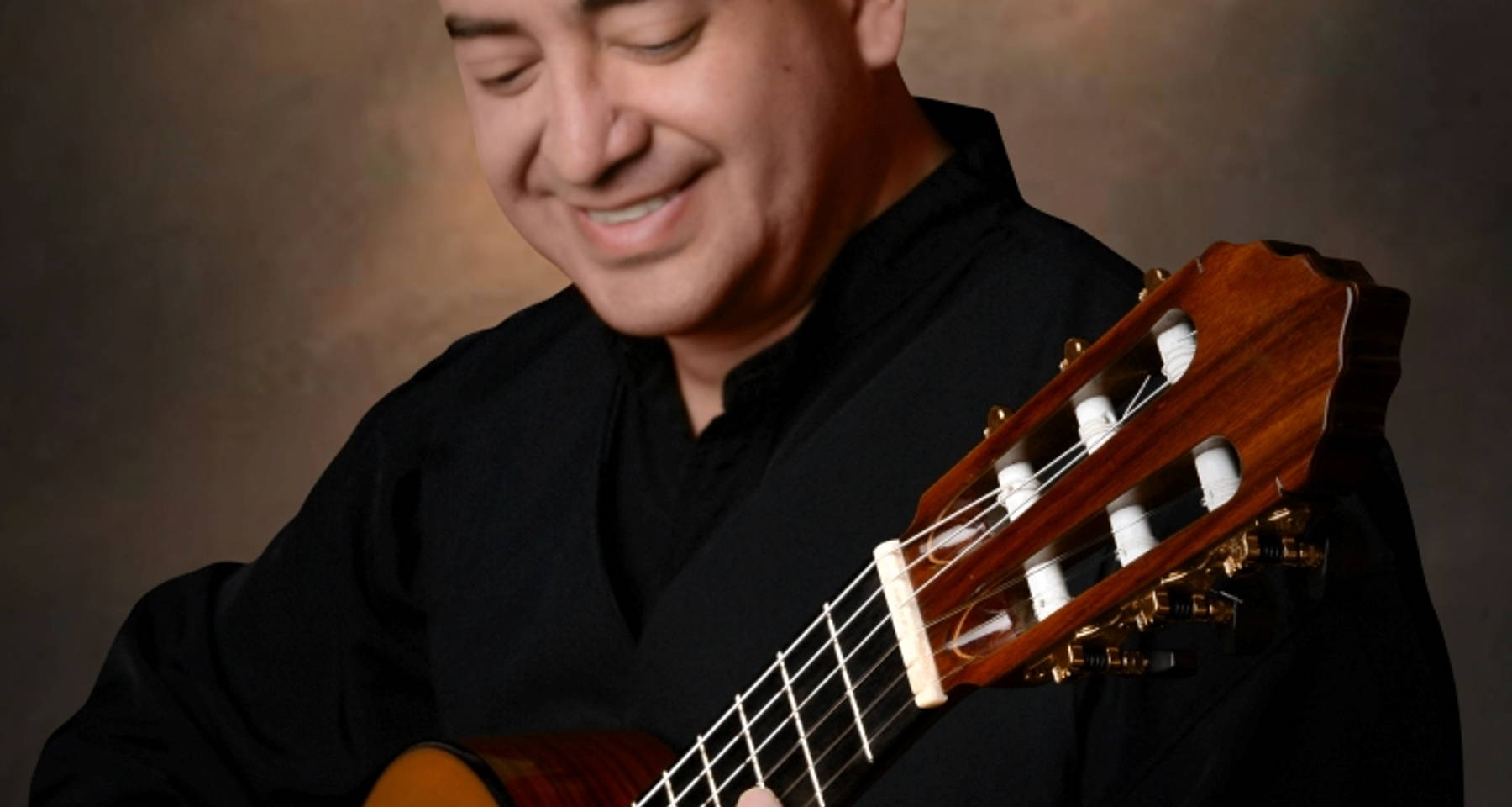 Classical guitar concert by Marcos Puña