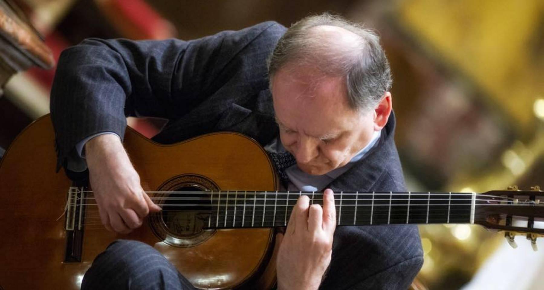 Guitarist Prof.Piero Bongauri, performs  Bach, Haendel, Sor, Tàrrega, and others